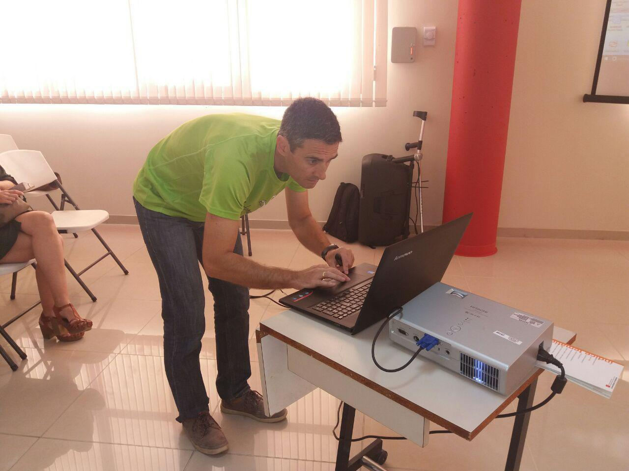 con ordenador